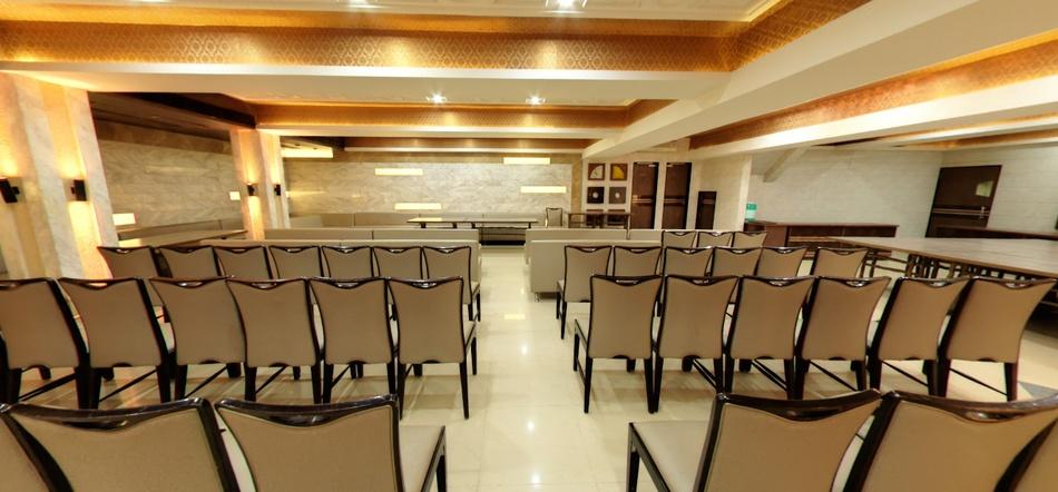 Gormoh Restaurant And Banquet Bodakdev Ahmedabad - Banquet Hall