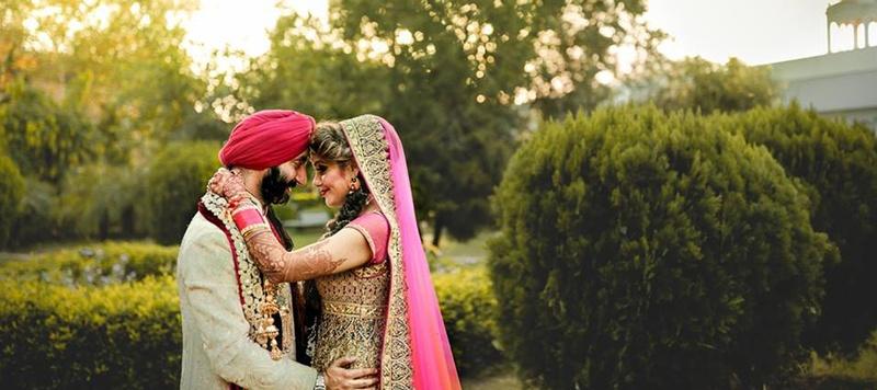 Ravi & Rashveen Delhi : Amalgamation of traditional Punjabi notes and hints of western elegance.