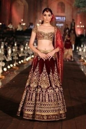 Panelled lehengas. Each panel is wide at the hem and tapers gradually towards the waist. This gives the illusion of a narrower, slimmer waist.