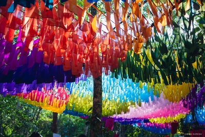 Colourful ceiling decor with cloth pieces