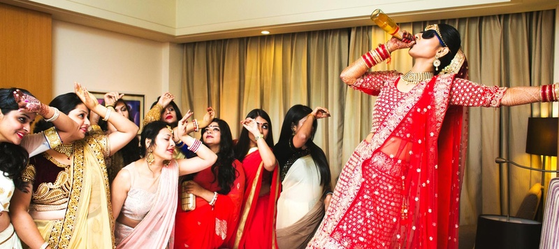 Ayush & Soumya Indore : Quirky bride ties the knot in a hindu wedding at Radisson Blu, Indore