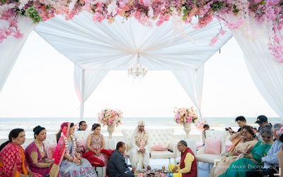 The wedding mandap looks straight out of a fairytale!
