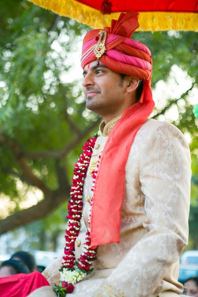 Groom all set on Ghodi for his baraat !!