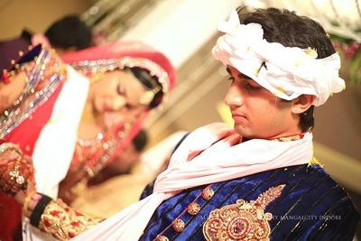 Saat phera ceremony