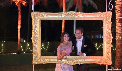 frame photobooth photography for the bride and groom