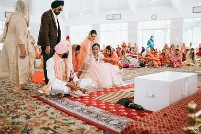 Sikh anand karaj ceremony