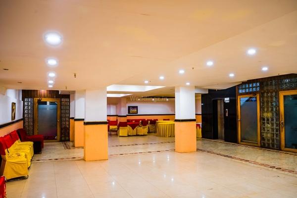 OYO Flagship 046 Vaishali Max Hospital (Hotel Abhay Palace