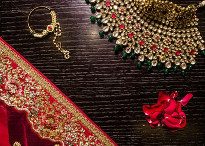 A closer look at Sukanya's bridal jewellery.