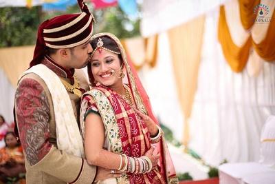 Textured wedding attire styled with gold heirloom haar