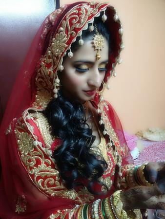 Khushboo Nagdewani   Mumbai   Makeup Artists