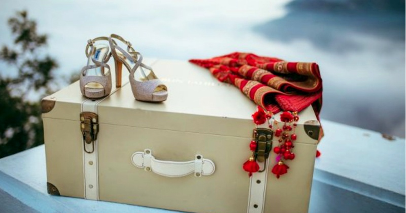Ultimate checklist of all the things you need to pack to move in to your hubby's house!