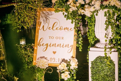welcoming signage ideas for the wedding ceremony
