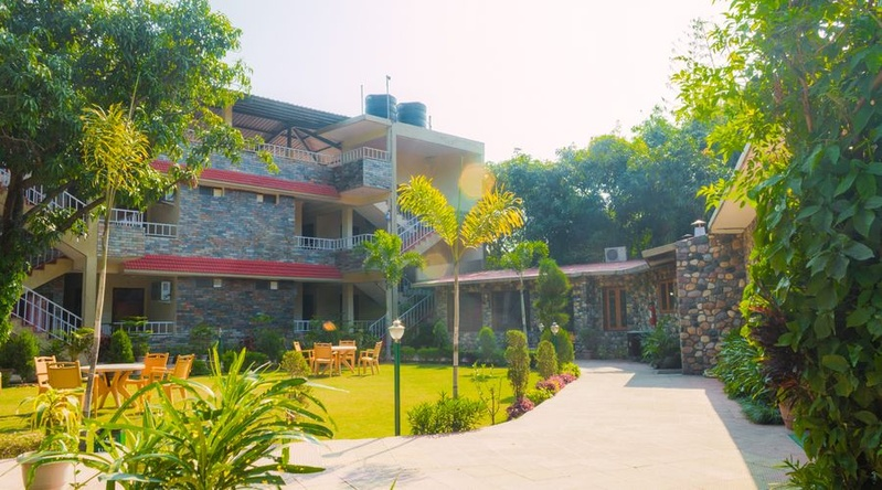 Wood Castle Spa And Resort, Mohaan, Jim Corbett