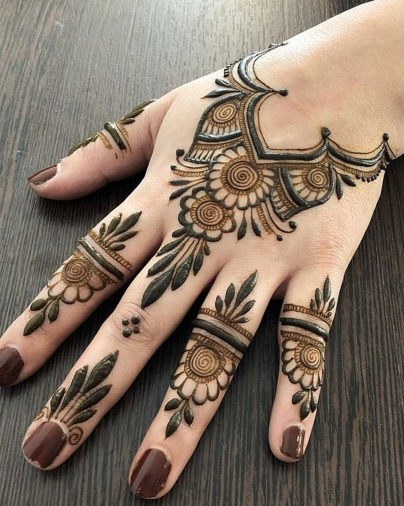 50 Simple Mehndi Design Ideas To Save For Weddings And Other