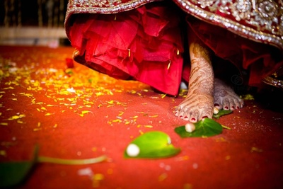 Sushmita stepped on seven bettle leaves and nutmeg as a post-wedding ritual