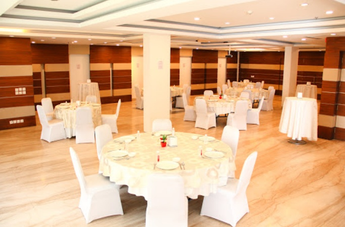 Stately Suites NH8 DLF Phase 2 Gurugram - Banquet Hall