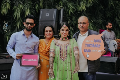 Picture perfect family portrait at the mehendi ceremony!