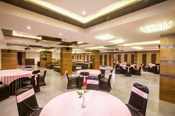 Hotel Blue Moon, Kudasan, Gandhinagar
