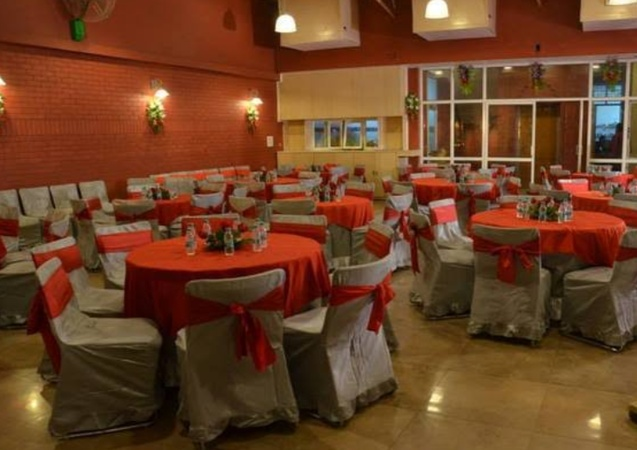 Malik Residency Harsh Nagar Kanpur - Banquet Hall