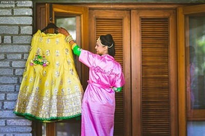 Bride Jeenal with her beautiful bridal Mehendi ceremony outfit.