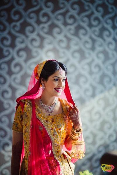 Bridal pose ideas to showcase the lehenga and bridal attire