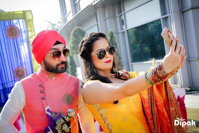 Groom and his friends take quirky portraits at the mehndi ceremony at JW Marriott, Chadigarh