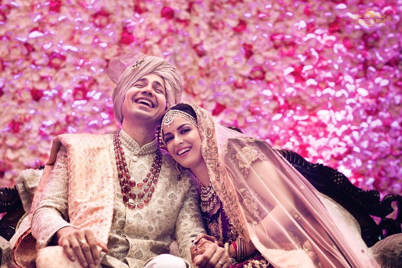 30 Wedding Poses And Pre Wedding Photography Poses To Check Out Before Facing The Camera On Your Big Day Wedding Photography Wedding Blog