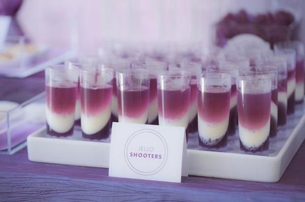 ALCOHOLIC JELL-O SHOTS