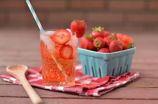 Strawberry, Lemon and Mint Detox Drink