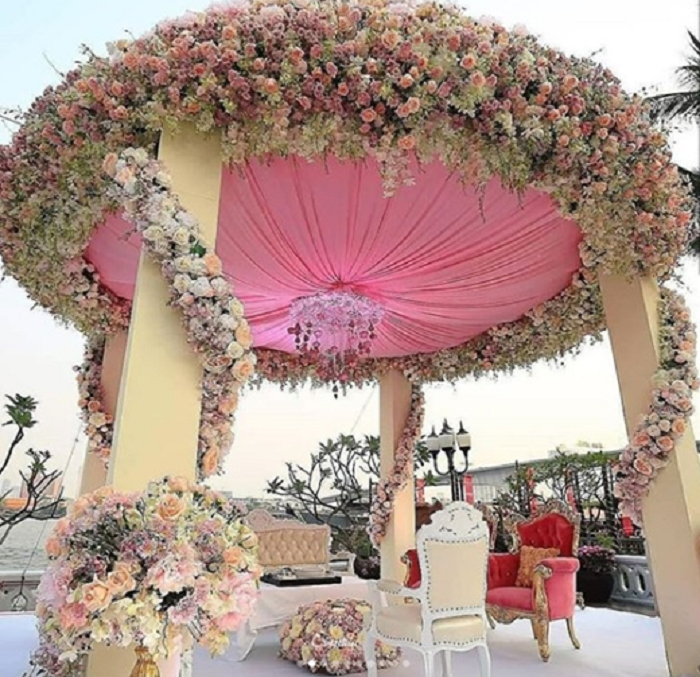 The Most Gorgeous Outdoor Wedding Mandap Decoration Ideas We Came Across Real Wedding Stories Wedding Blog