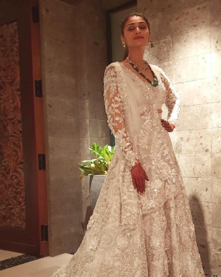 ff8f0da5f 15 brides who wore a White Lehenga to their Indian Wedding and ...