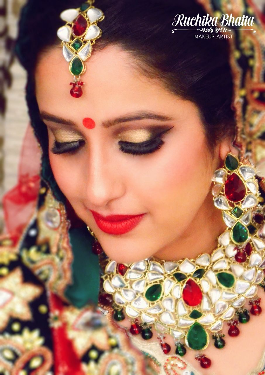 Ruchika Bhatia Makeup Artist Delhi Price | Ruchika Bhatia Makeup Artist Rates | Weddingz.in