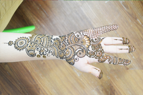 Bridal Mehndi Training : Pawan arts bridal mehndi artists mumbai 15304.jpg